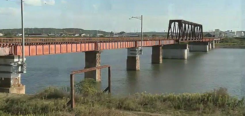 長さは、333メートル、加古川線で最も長い国包の鉄橋