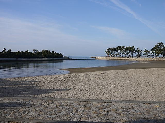 日本の白砂青松百選に選ばれた兵庫県立高砂海浜公園