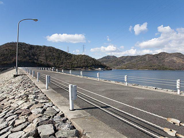 加古川右岸自転車道での、お勧めのスポット、権現ダム。