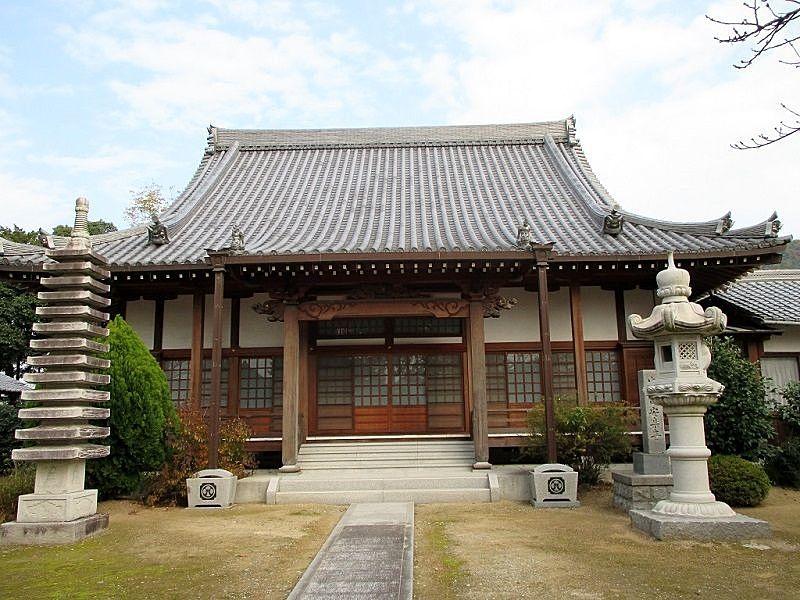 志方城主、櫛橋(くしはし)氏によって再建され、浄土宗寺院『安楽寺』
