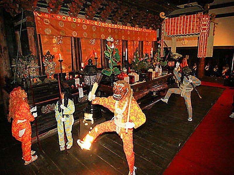 鶴林寺の伝統行事、修正会、鬼追い