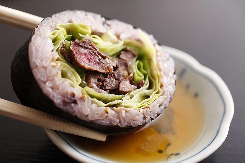 和食処『おおつぼ』さんの『加古川ギュッとメシ』漬け肉ぎゅっと巻き