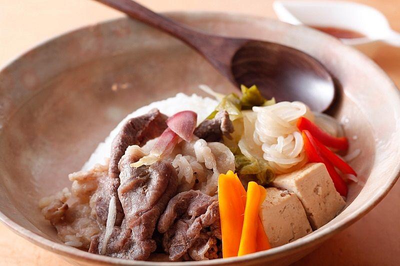 馬馬家(MAMAYA)さんの『加古川ギュッとメシ』ギュッと味噌すき丼
