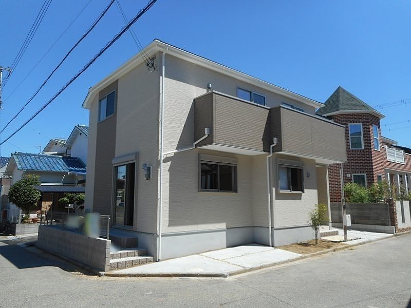 加古川市平岡町新在家新築一戸建て第16が建つ南西角の敷地です