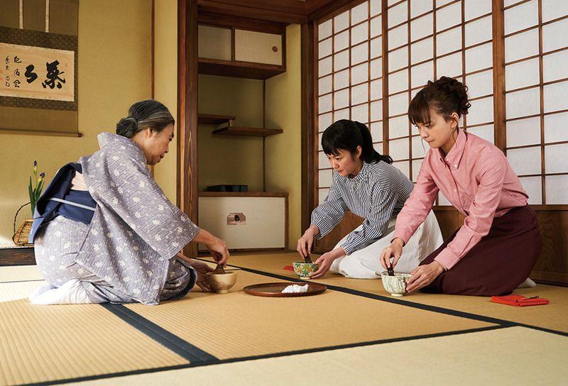 日日是好日 お茶を習う典子と、いとこの美智子