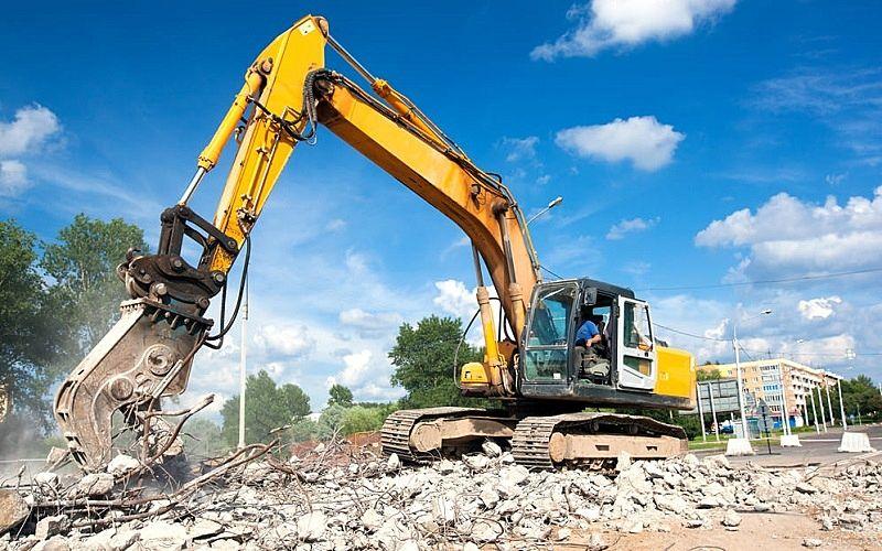 家の解体費用が変わる要因、解体するための重機の保有