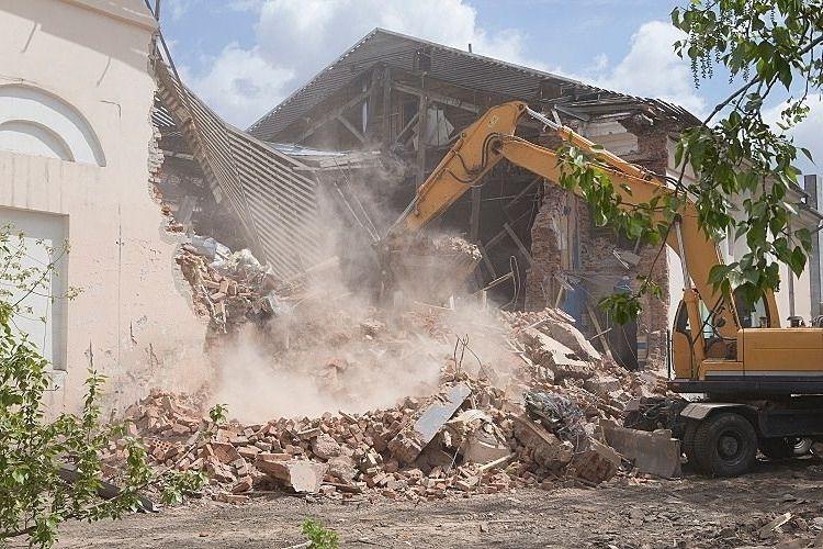 家の解体で「解体費用が変わる要因」と「解体工事を依頼するときの注意点」