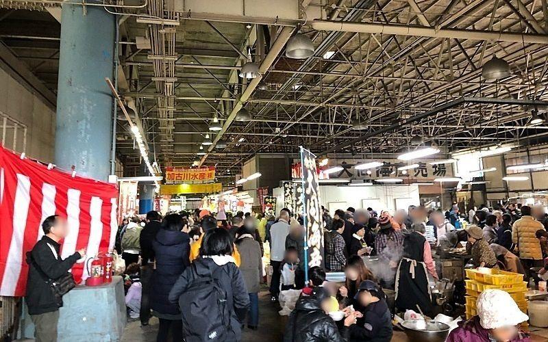 加古川市公設地方卸売市場「歳末・市場まつり」場内の風景