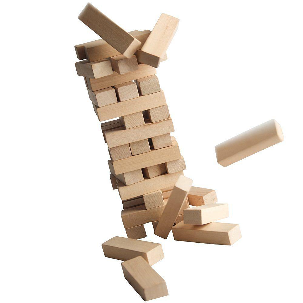 いとも簡単に崩れて落ちていく積み木。