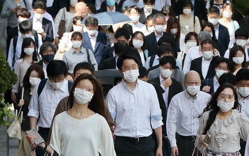 新型コロナウイルス感染予防の夏マスクは熱中症リスクを高めます!