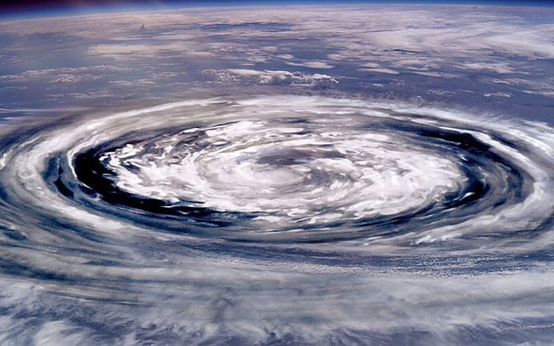 台風は何故発達するのでしょうか? 台風のエネルギー源とは?