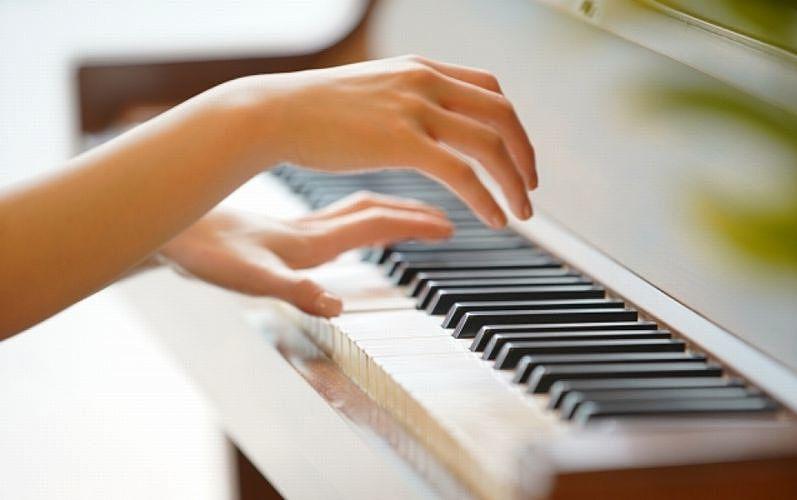 誰でも自由に演奏できる「まちかどピアノ」加古川市役所と加古川総合文化センターで開放!