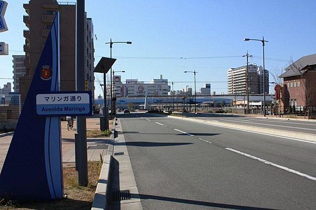 加古川駅北側へ伸びるマリンガ通りです。