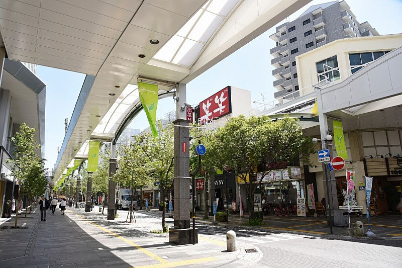 JR加古川駅南からまっすぐに続く通り、ベルデモール商店街です。
