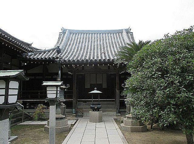 加古川市加古川町本町にある『称名寺』です。