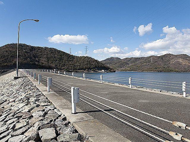 水の需要のために造られた権現ダム
