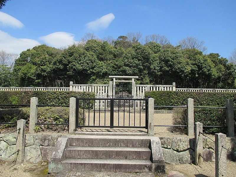 日岡御陵の入口